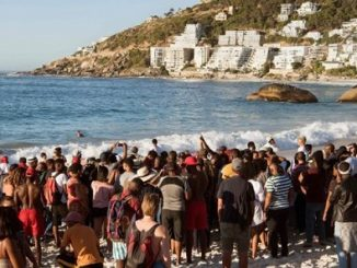Clifton 4th beach protest