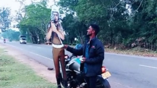 bribing traffic police cutout