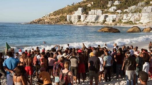 Clifton 4th beach protest